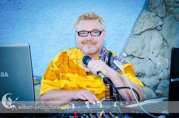 DJ Ginge Coldwell - one of Beatz-Radio's finest presenters, you can catch DJ Ginge Fridays from 7pm with his Dance Anthems, also on a Sunday Afternoon from 5pm with his Northern Soul Show. His voice will uplift your mood and send you on a Journey of Musical Talent